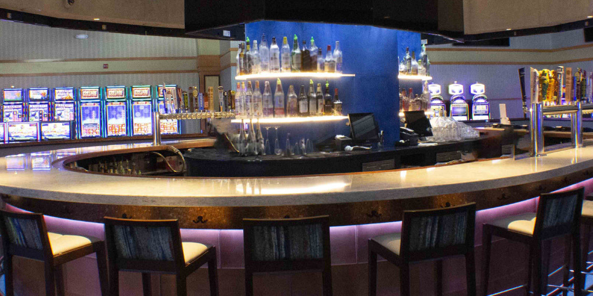 Saratogo Casino Quartz Bar
